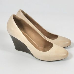 Clark's Artisan Wedges Cream Color Size 9